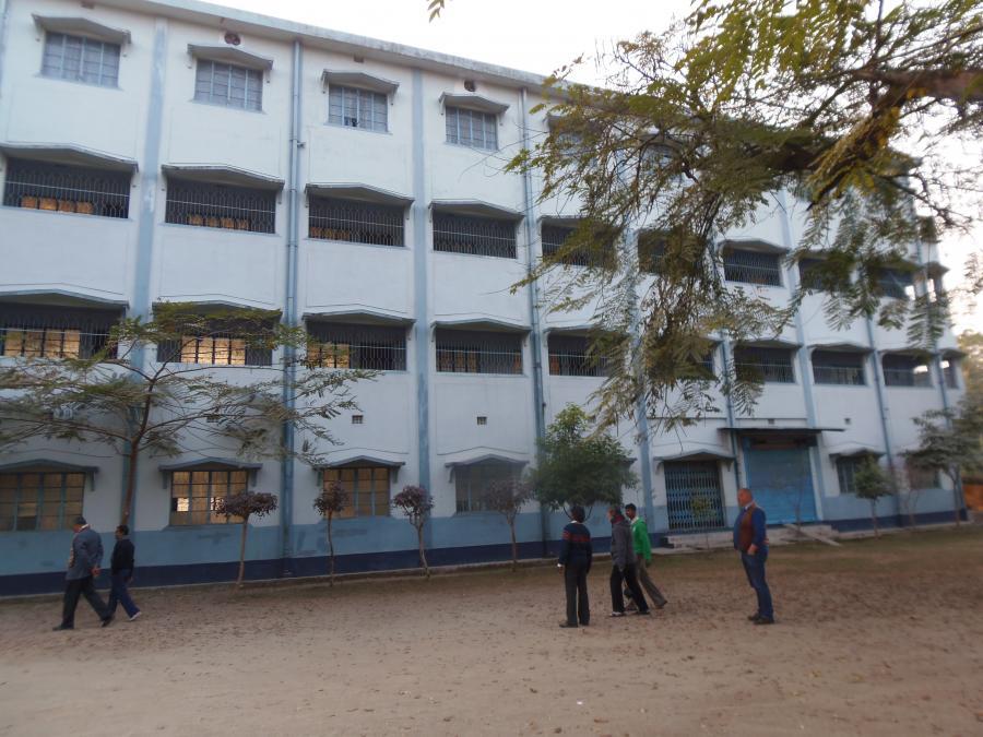 Hauptgebäude der Schule in Mailanijoth