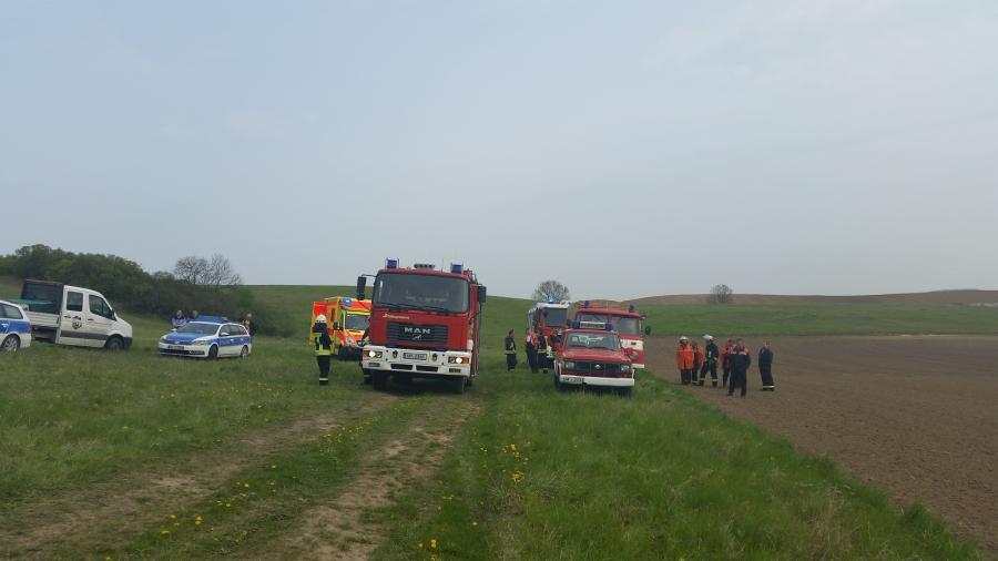 Umgekippter Tracktor in der Randow mit 2 Schwerverletzten Personen