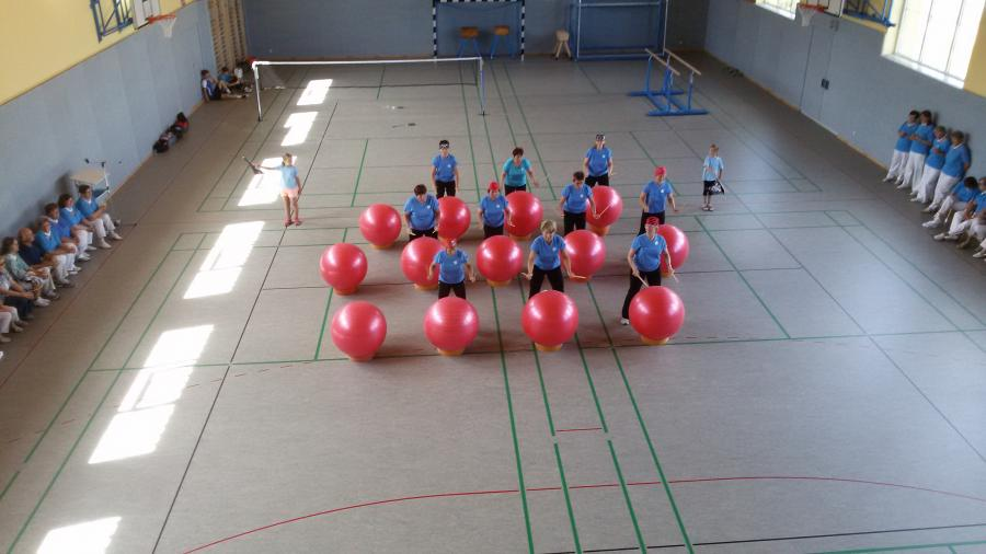 Trommeln mit Ball