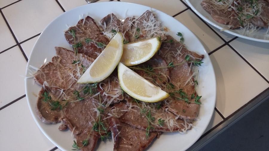 Kalbschnitzelchen mit Limone & Grana padano