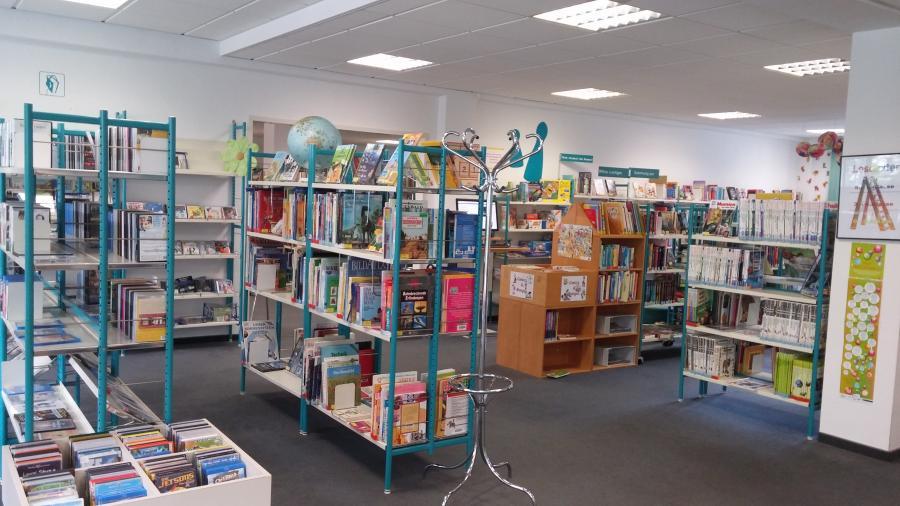 Innenansicht der Stadtteilbibliothek Sudenburg
