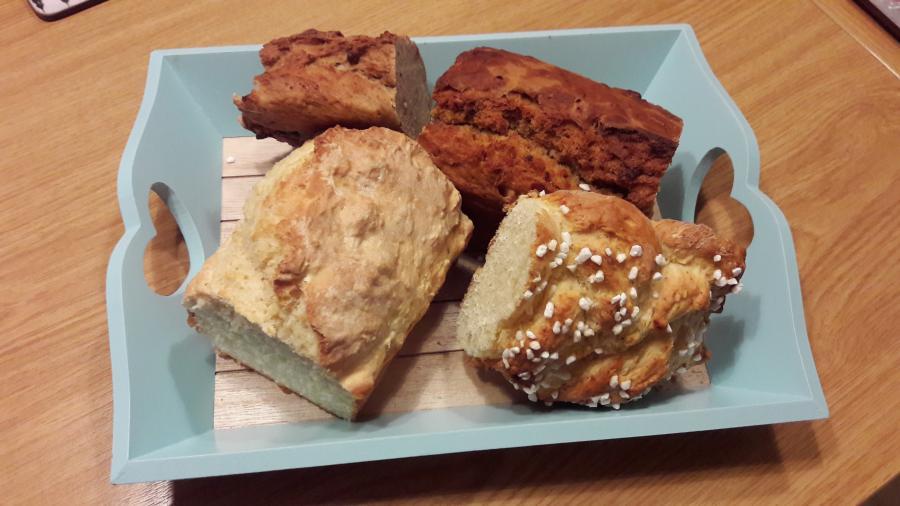 Selbst gebackene Brote Osterwiese