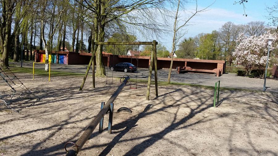 Spielplatz vor Renovierung_1
