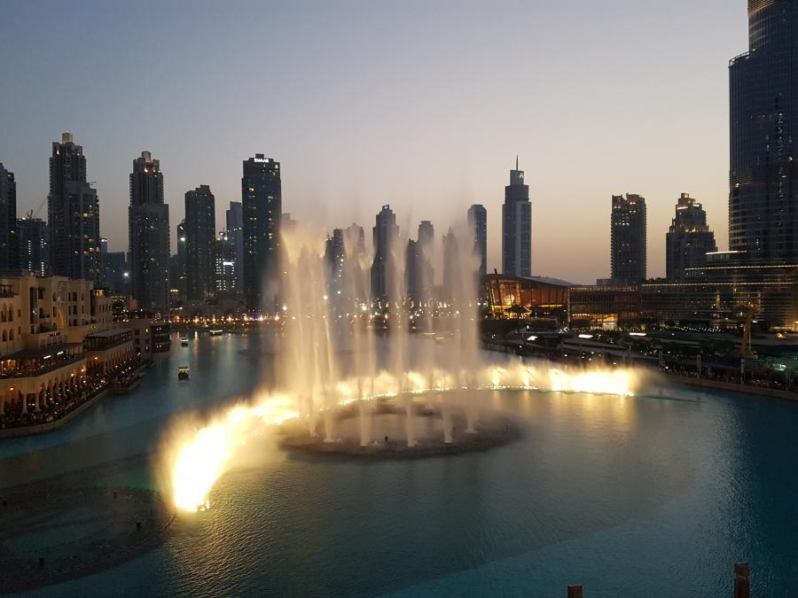 Wasserspiele am Burj Khalifa