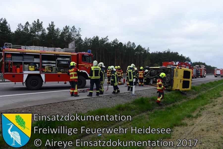 Einsatz 32/2017 | Transporter auf Seite | BAB 12 AS Storkow - AS Friedersdorf | 23.04.2014