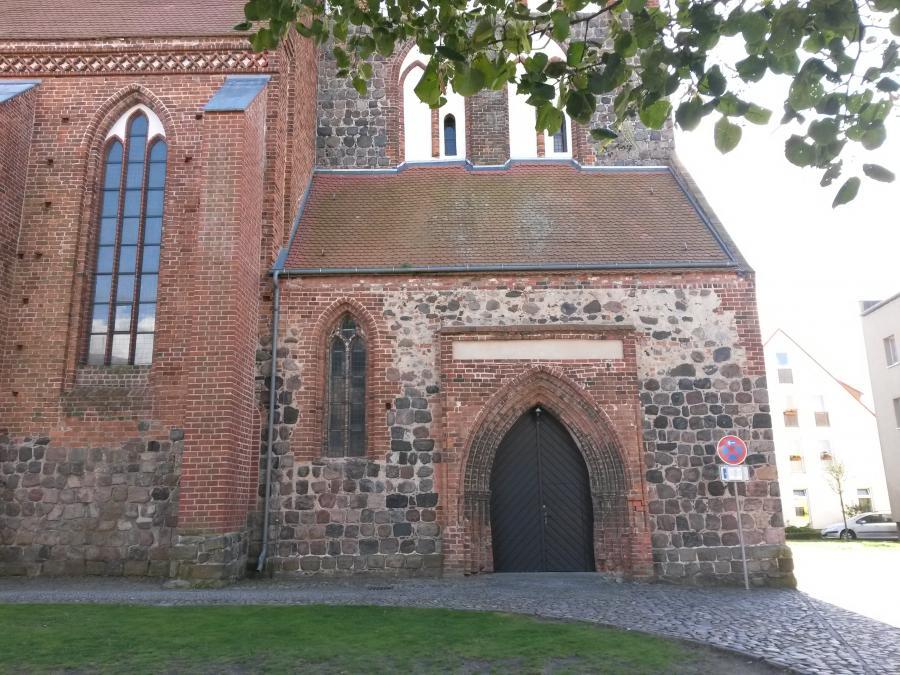 Trauzimmer Turm 1