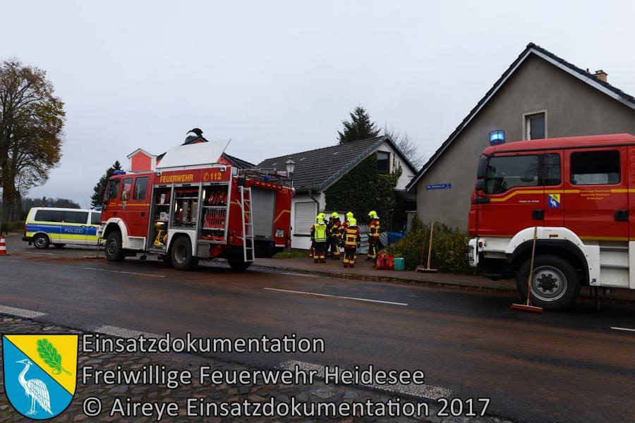 Einsatz 327/2017 | PKW gegen Hauswand | 21.11.2017