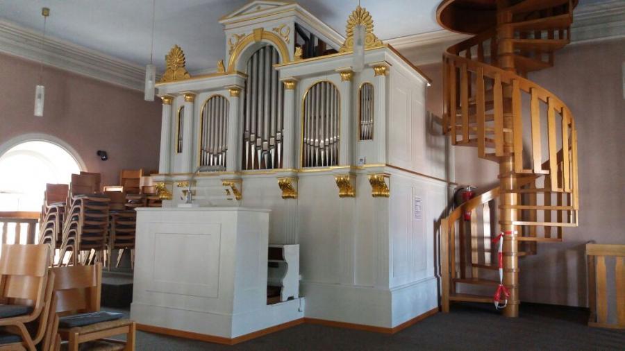 Petruskirche: Orgel ausgepackt und gestimmt