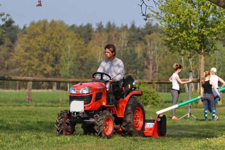 Arbeitseinsatz 18 - Rasenmähen