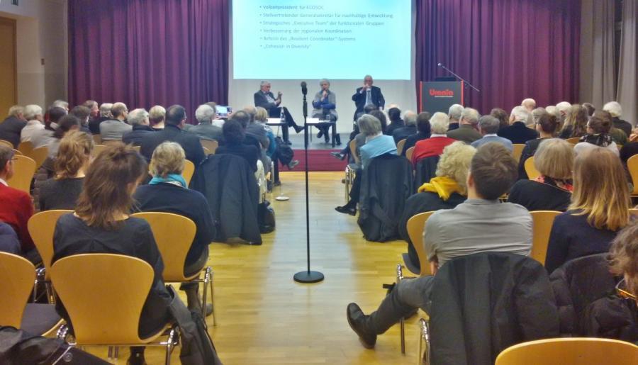 Diskussion mit Prof. Dr. Klaus Töpfer am 18.01.2018 (Foto: Martin Lenk)