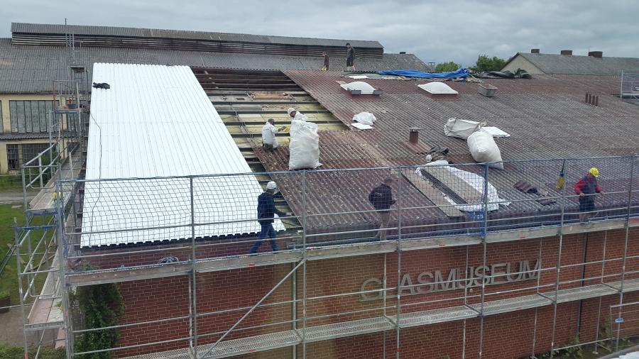 Foto: Das Dach des Glasmuseums wird saniert