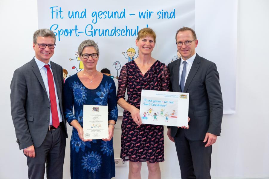 Claudia Dachlauer und Ulli Lischka bei der Preisverleihung
