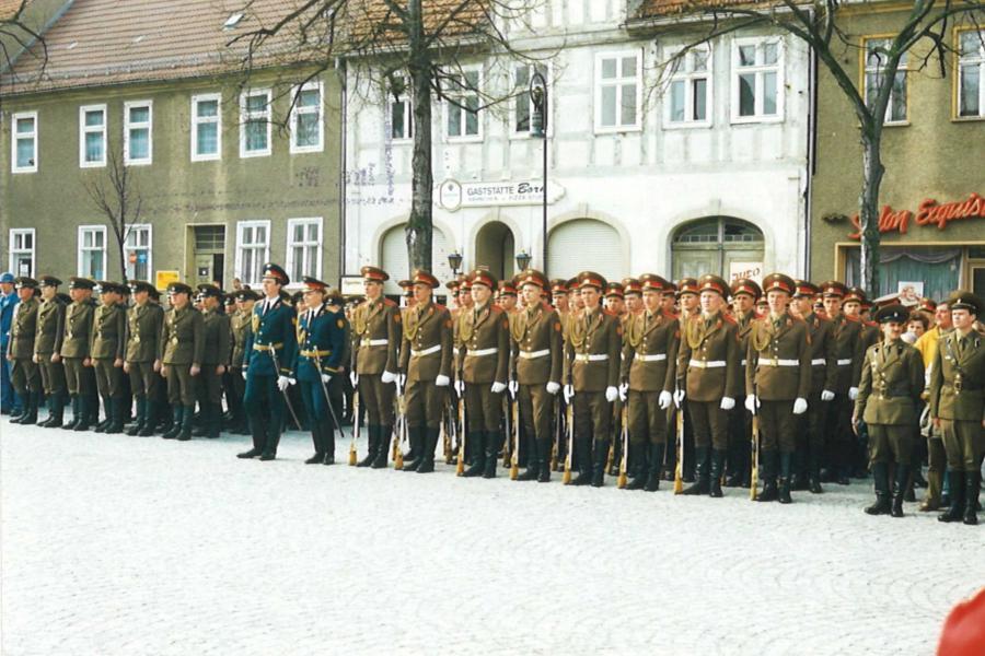 Die Russen sind Weg! 25 Jahre nach dem Abzug der sowjetischen Streitkräfte