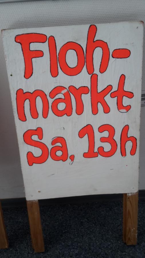 Flohmarkt an der HKS