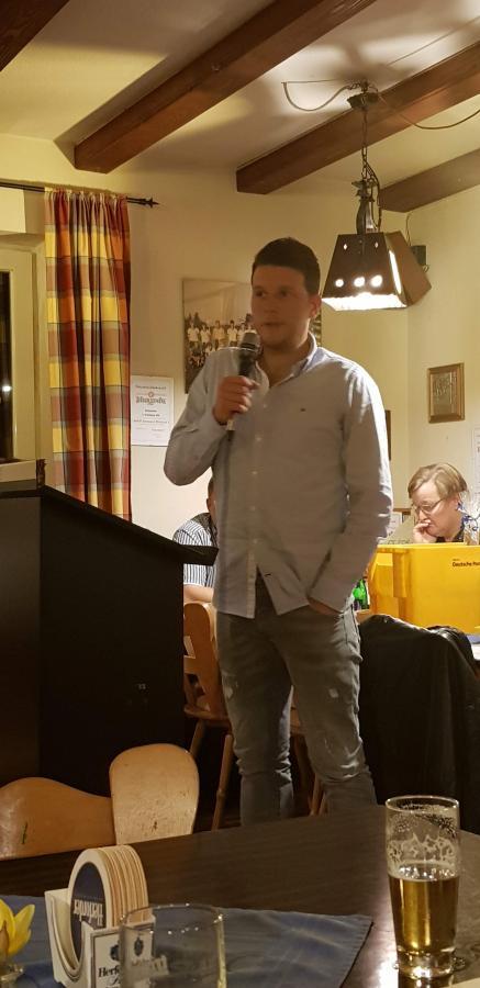 Für die I. Herren sprach der bisherige Trainer und langjährige Mannschaftskopf Christian Strehl in Vertretung für seinen gerade erst verpflichteten Nachfolger Bernd Joachim