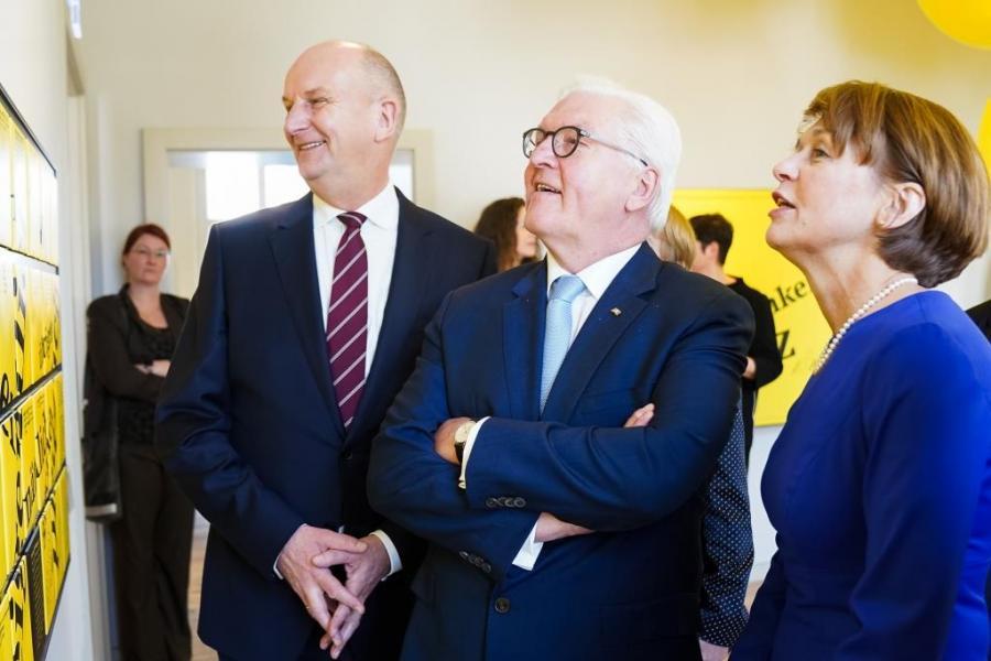 Ministerpräsident Dr. Woidke, Bundespräsident Steinmeier, Frau Büdenbender