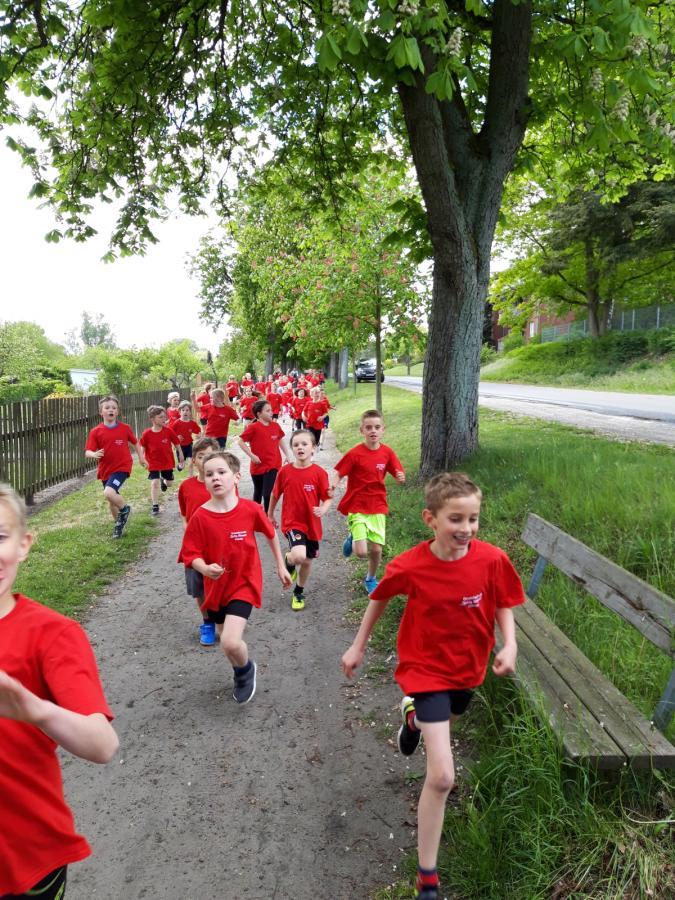 """Training der Laufgruppe der Grundschule """"Fritz Reuter"""" Crivitz 2019"""