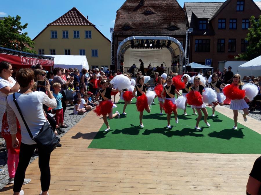 Unsere Cheerleader beim Kinder- und Stadtfest 2019