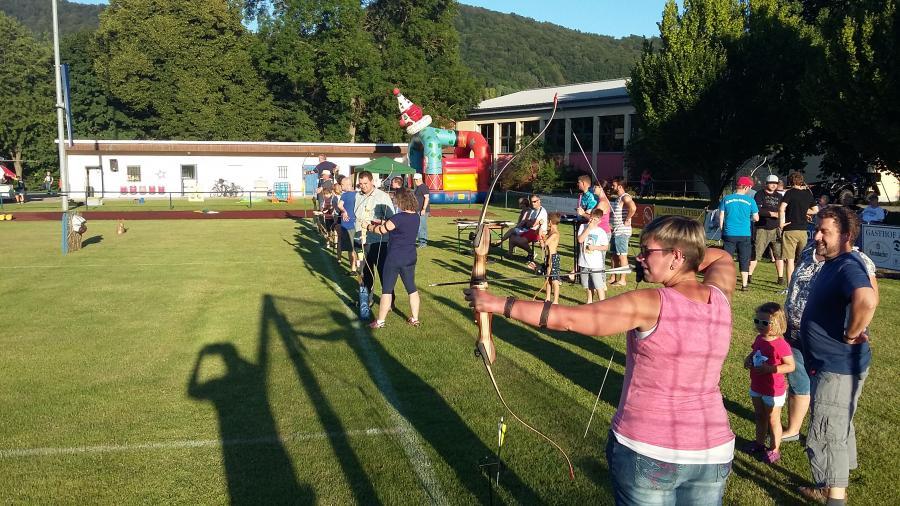 Die Bogenschützen beim Sportfest