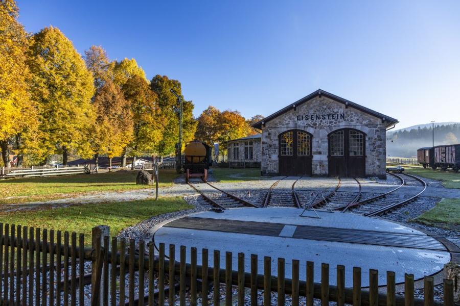 Localbahnmuseum Bayerisch Eisenstein im Herbst