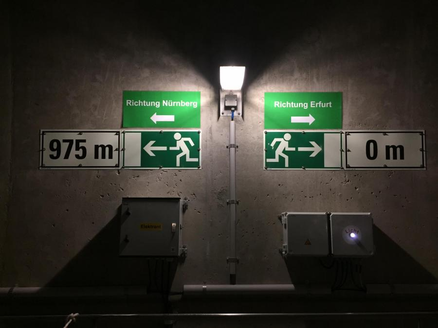 Tunnel 03