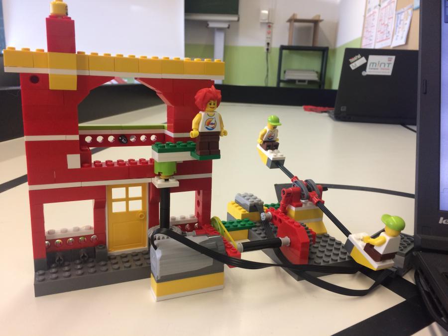 LEGO WeDo Wippe MINT-Campus Schülerforschungszentrum