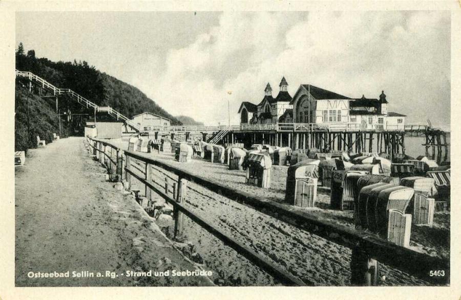 Ostseebad Sellin a. Rg.  Strand und Seebrücke