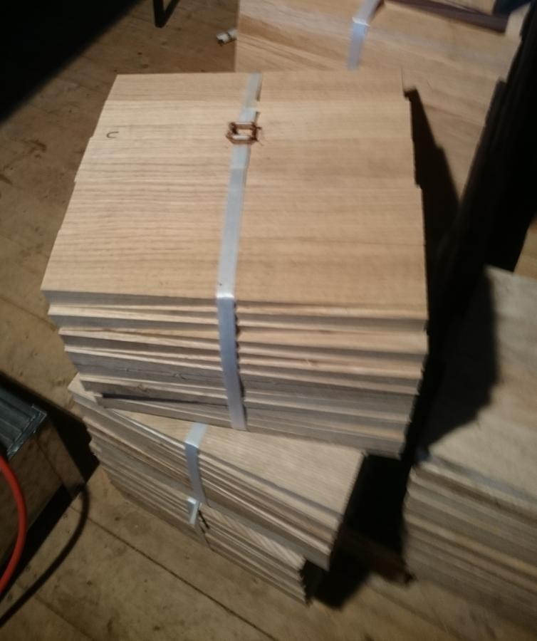 Holzkämme aus Eiche in verschiedenen Stärken und Längen