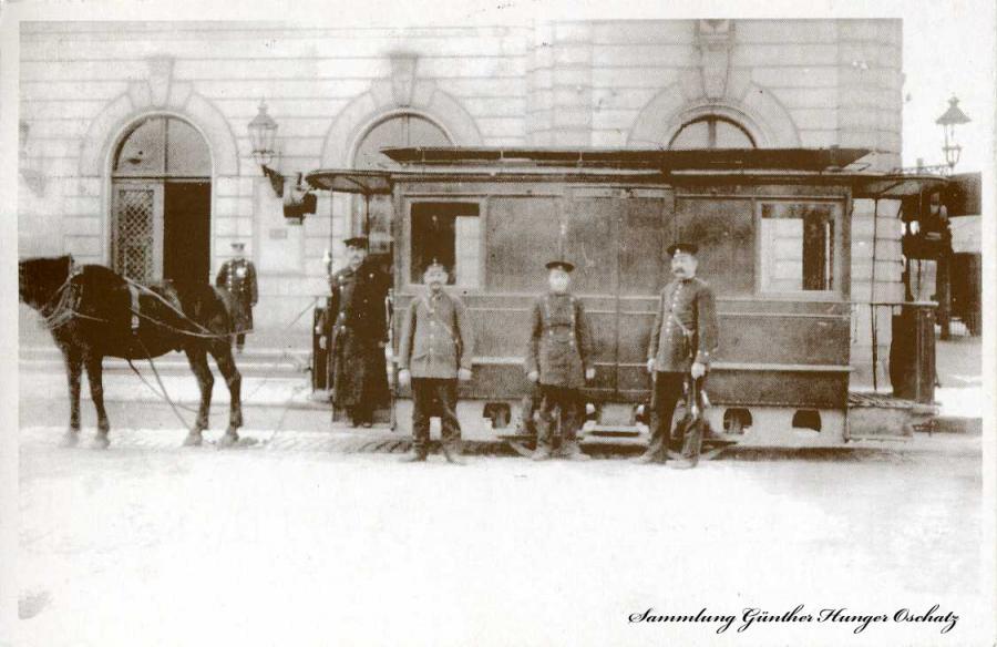 Döbeln Wagen der Pferdebahn am Hauptbahnhof