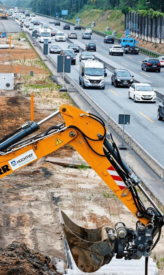 An Autobahnen in Brandenburg wird auch in diesem Jahr kräftig gebaut werden. Ein Grund dafür ist der Betonkrebs. Foto: dpa