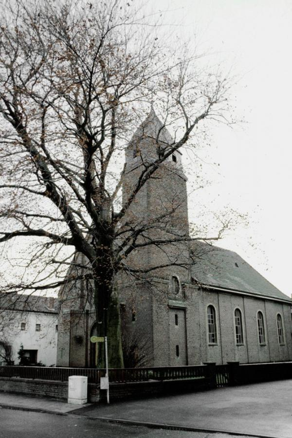 Otzenrath ev. Kirche oben links
