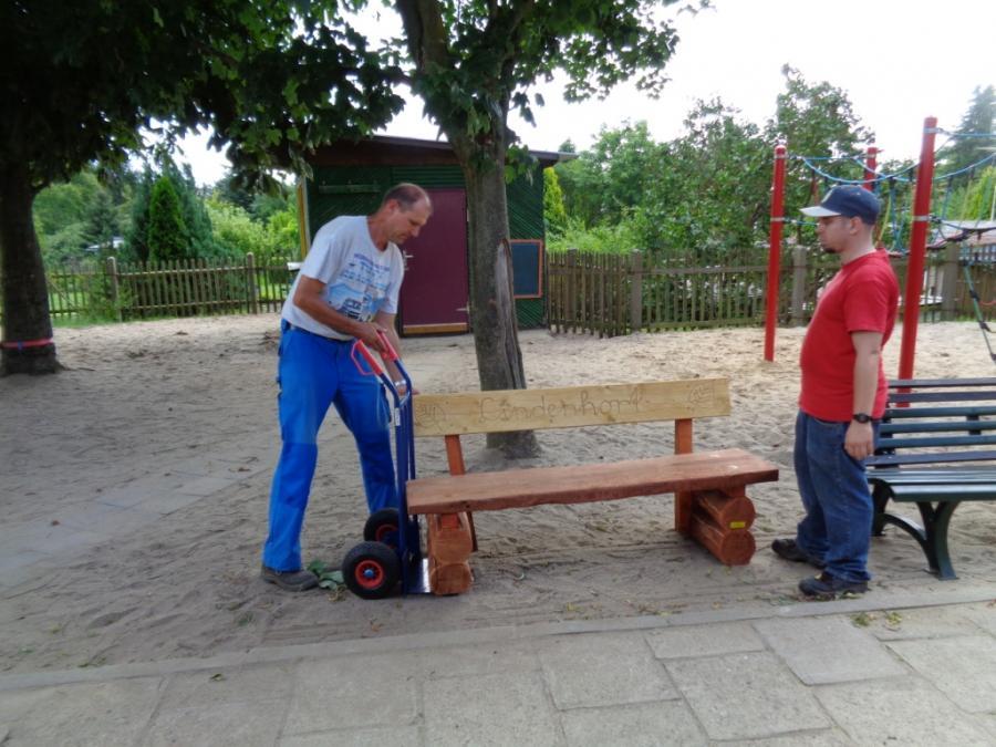 Holzbänke Lindenhort