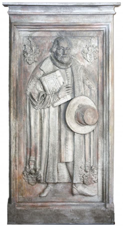 Grabplatte für Johann IX. von Haugwitz, den letzten Bischof von Meißen. Kopie im Museum Mühlberg 1547