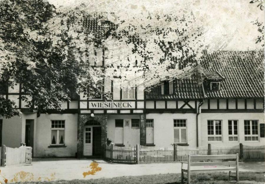 """Kloster auf Hiddensee FDGB-Vertragsheim """" Wieseneck"""""""