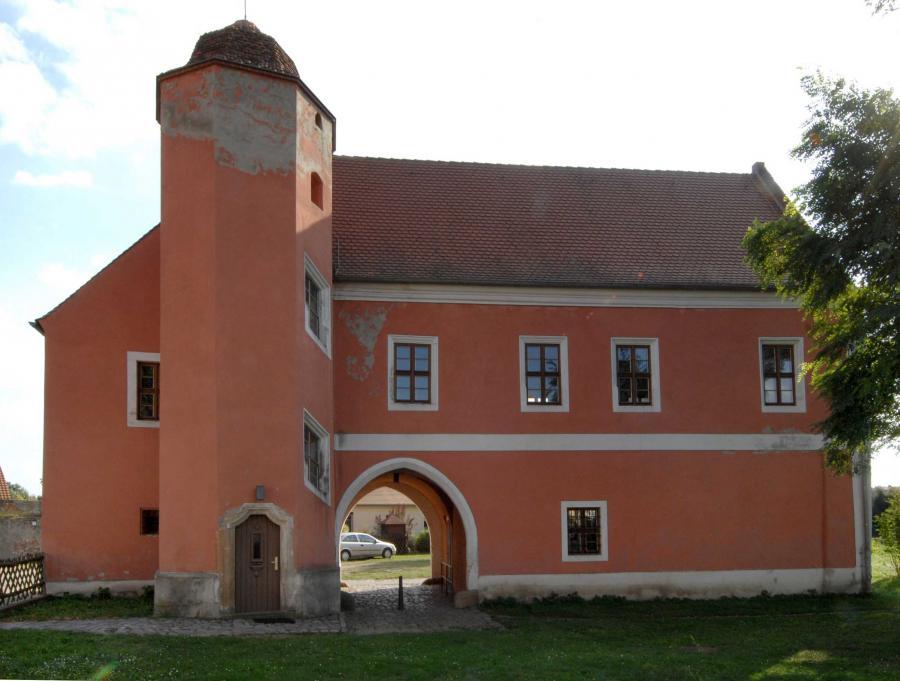 Torhaus des Klosters Mühlberg, ehemals Wohnsitz und Gästehaus des letzten Bischofs von Meißen