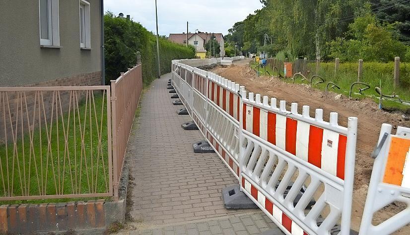 Seit Monaten sind in Gulben die Straßenbauer aktiv. Foto: Marion Hirche/jul1