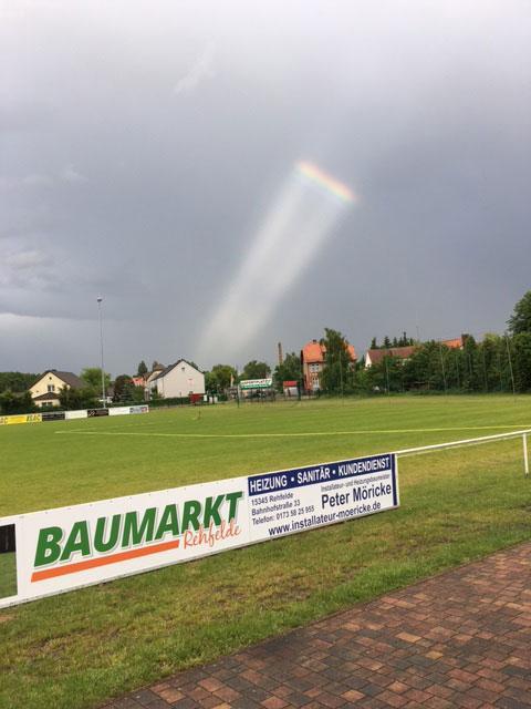 UFO oder Regenbogen