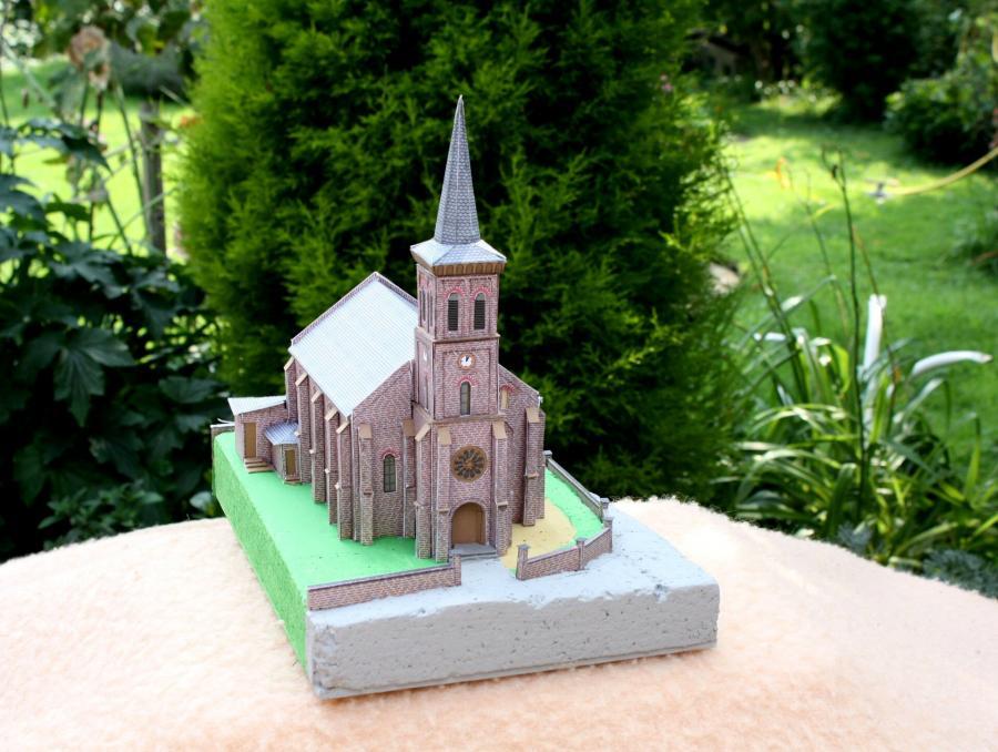 Kirche-Vorne