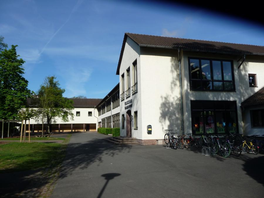 Schulgebäude I