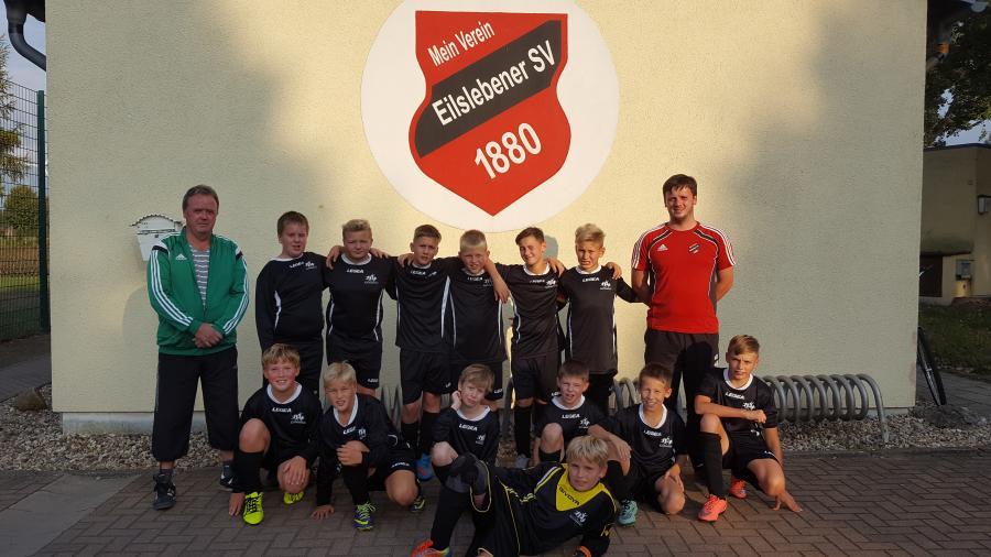D-Junioren mit ihrem Trainerteam  Martin Lüdtke /  Ralf Siegel