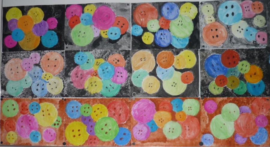 Knopfkisten - gemalt von den Kindern der 2a
