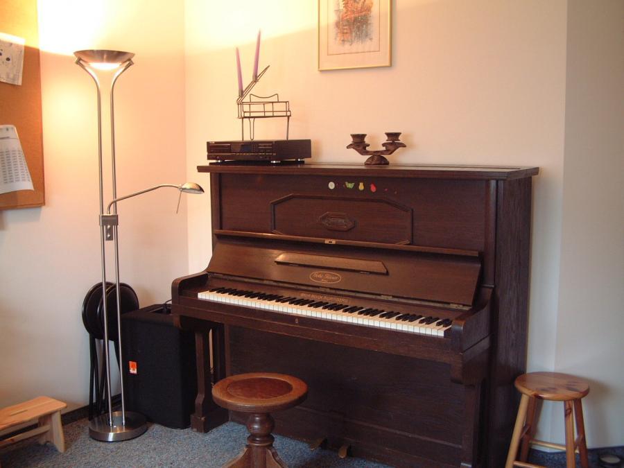 Unser Klavier in Zimmer Nr 4