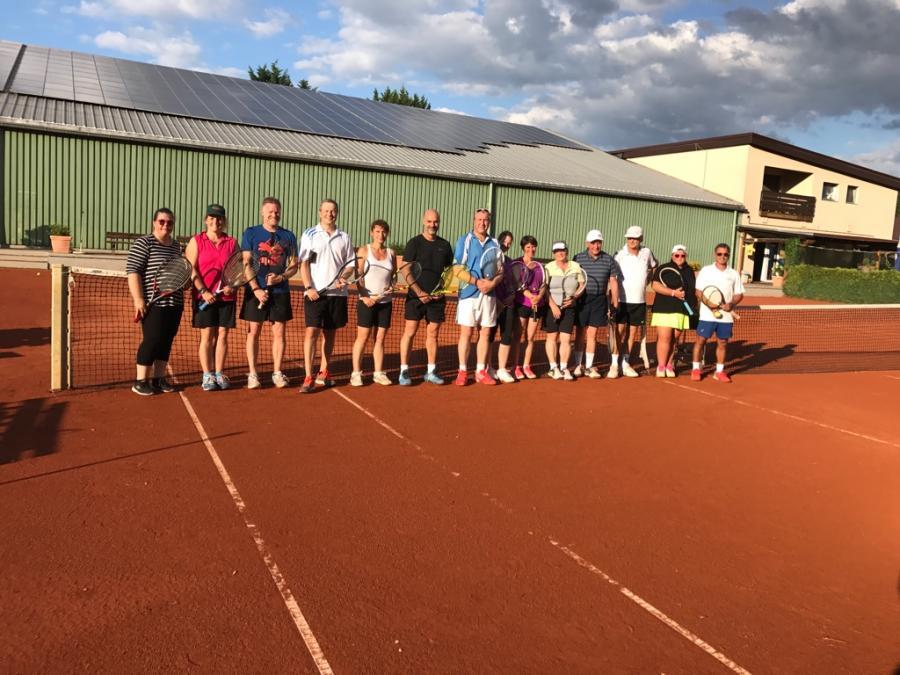 Die Teilnehmer der Power-Tennis-Woche