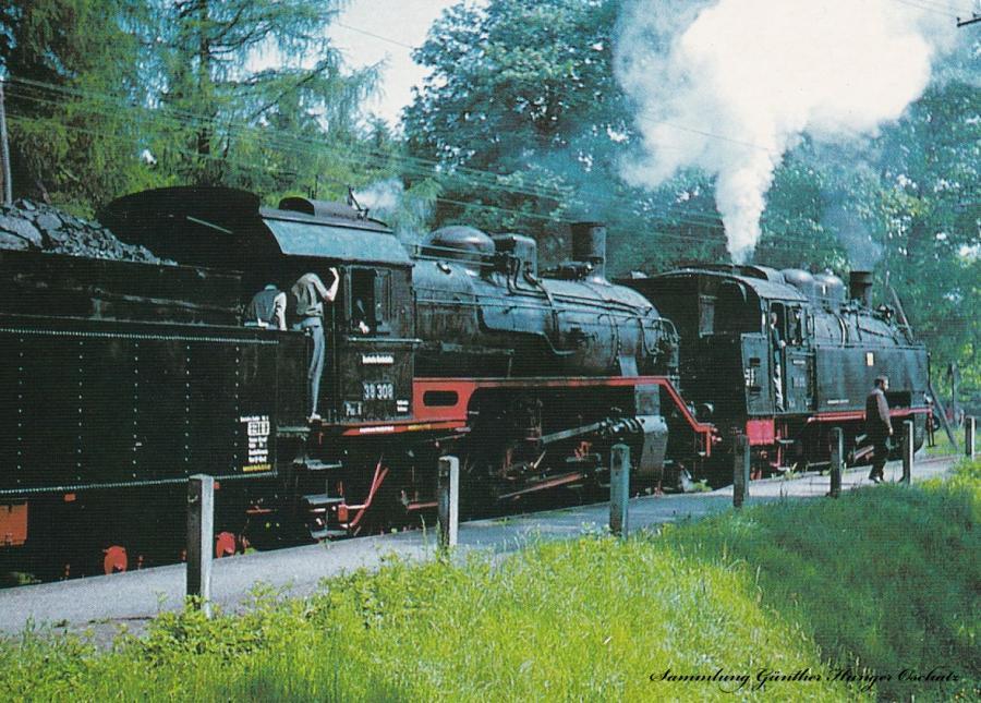 """Dampflokomotiven 38 308 + 75 515 mit DMV-Sonderzug am """"Tag des deutschen Eisenbahners"""" im Haltepunkt Zellwald"""