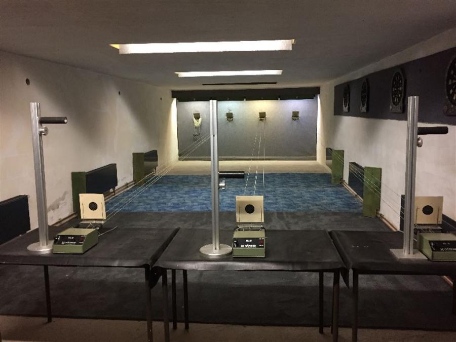 4 Stände für Luftdruckwaffen 10 Meter