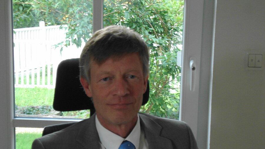 Hans E. Kuhmichel