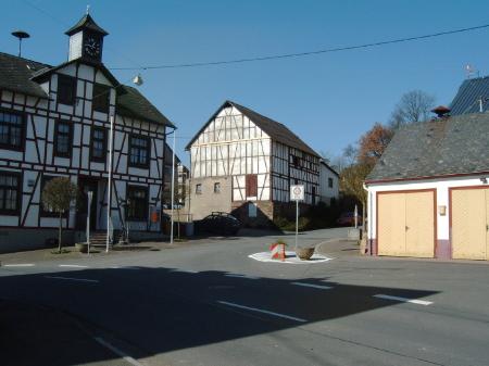 Dorfplatz 2005
