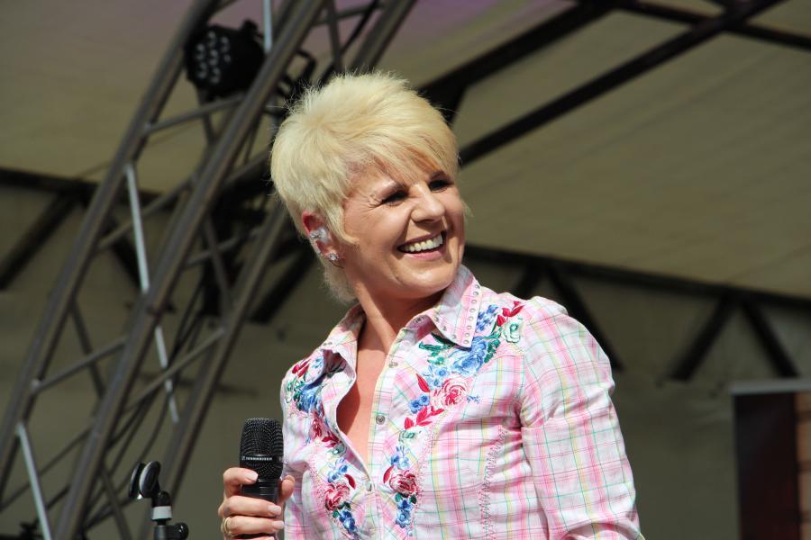 Linda Feller 2016