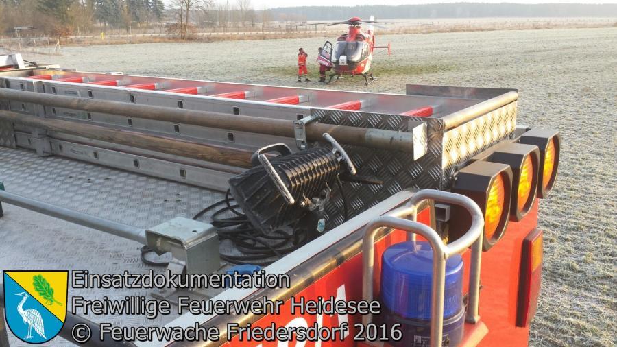 Einsatz 122/2016 | VU PKW gegen Baum | Friedersdorf An der Storkower Straße | 22.12.2016