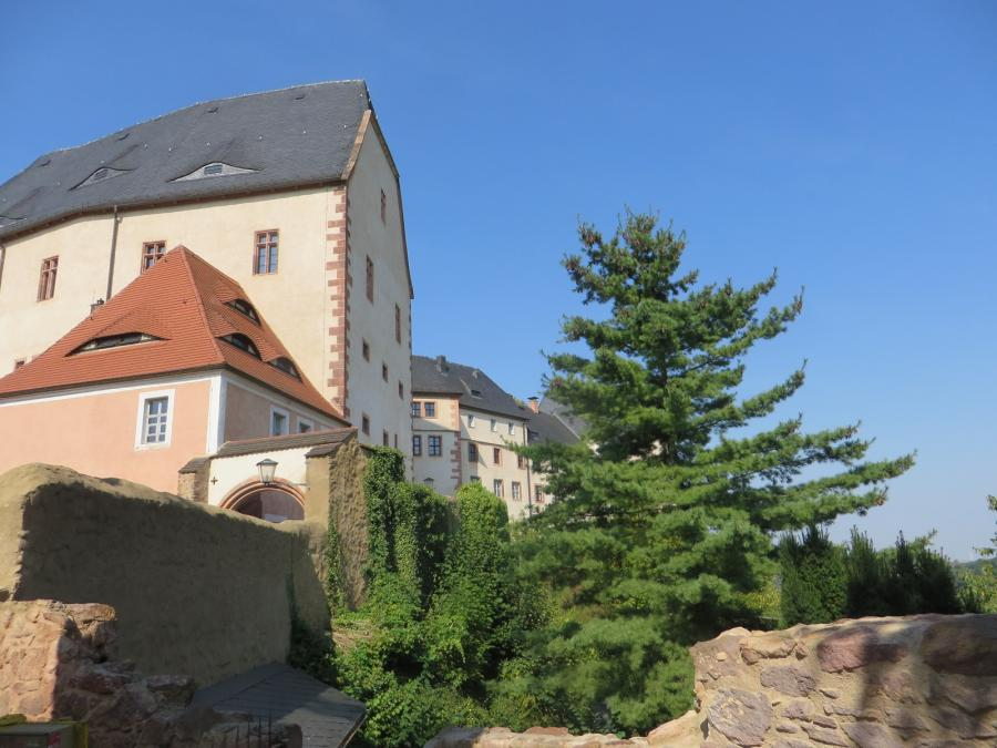 Ostseite der Burg